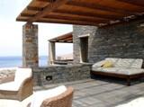 Греческие дома - каменный дом на берегу