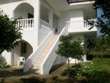 Лестницы на второй этаж в Греции. Внешняя лестница